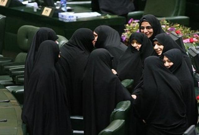 نگاه مردسالارانه سیاست به مدیریت زنان