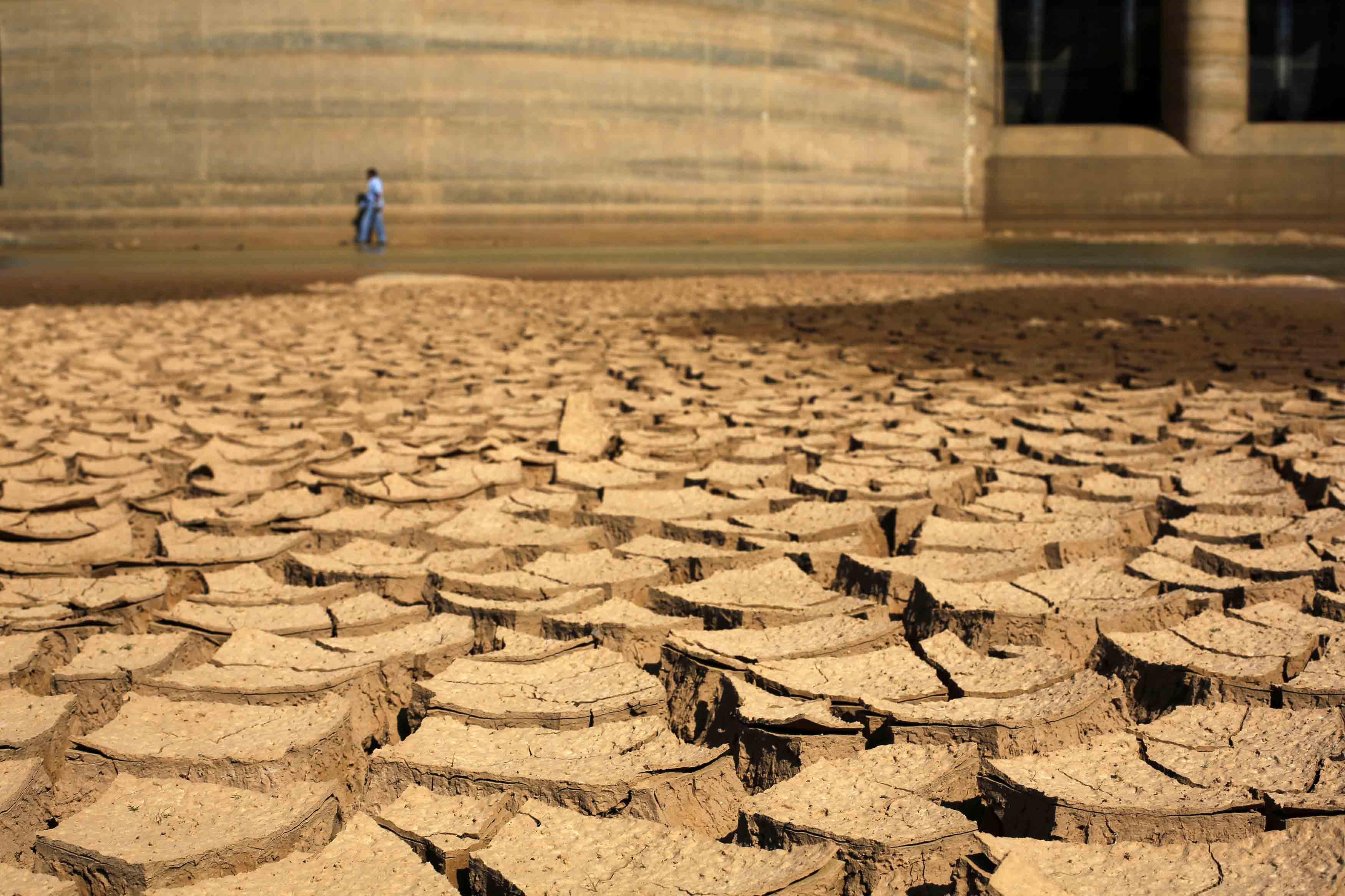۹۶درصد استان با خشکسالی بسیارشدید درگیر است
